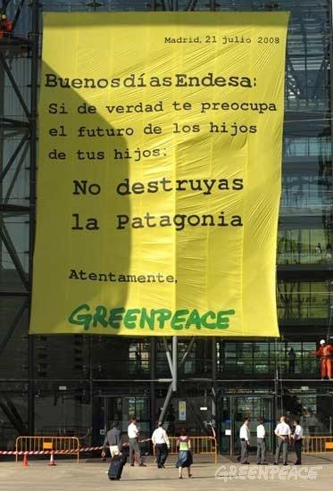 Escaladors de Greenpeace en Endesa